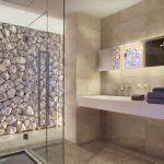 Ispaniškos vonios sienų ir grindų plytelės